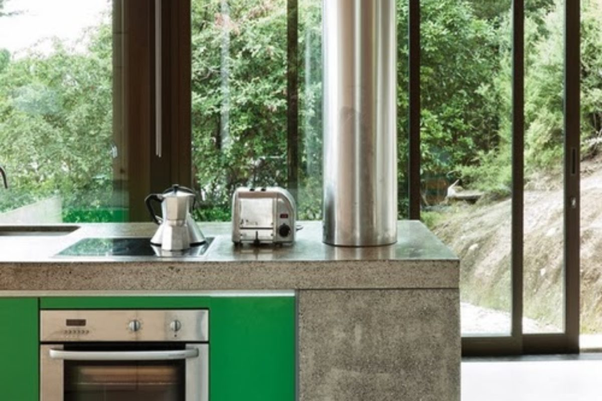 inspiration-kitchen-Dwell-Green-Oven.jpg