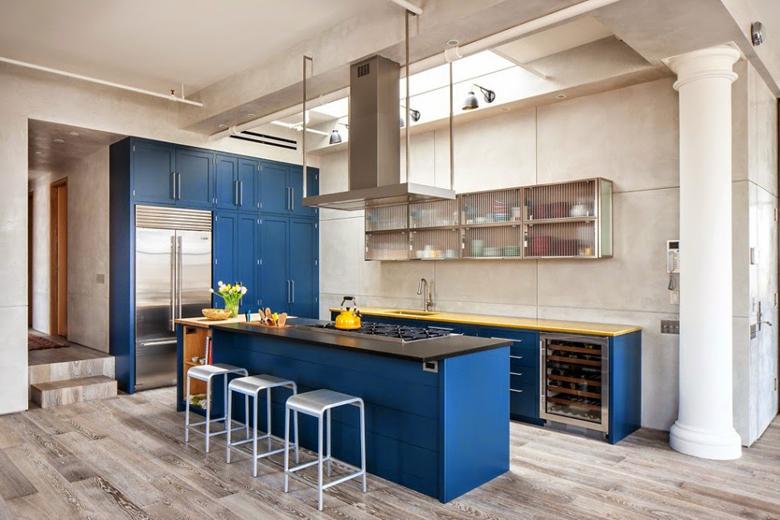 błękitne fronty szafek kuchennych, inspiracje wnętrza