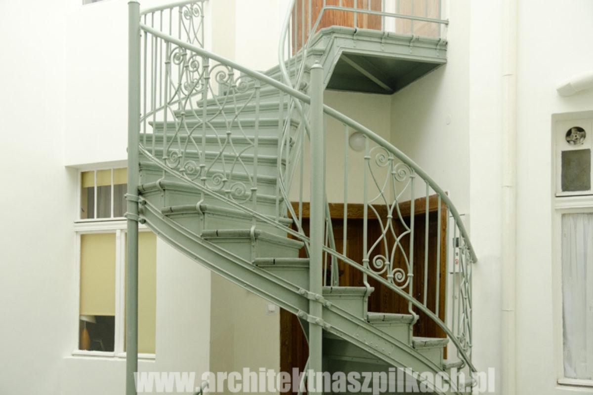Wyremontowane klatki schodowe w kamienicach Sopocie | KAMIENICE