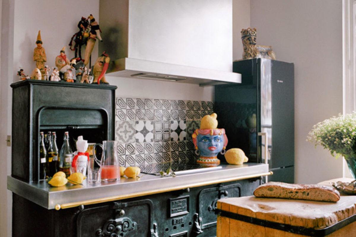 Najpiękniejsze, ponadczasowe kuchnie Paryża   KUCHNIE