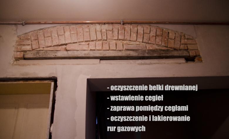 odkryta cegła w kamienicy