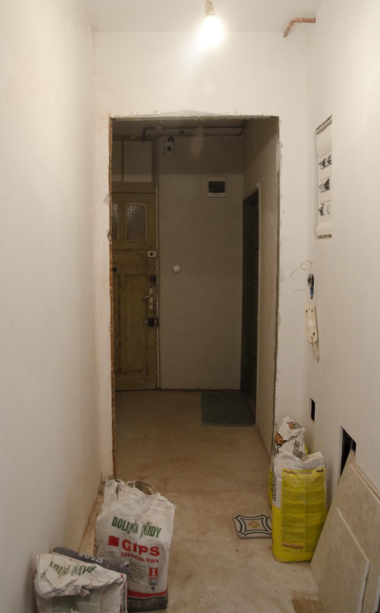 Remont mieszkania na poddaszu w kamienicy - przedpokój i strefa wejściowa